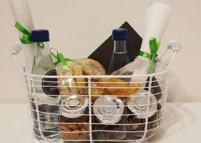 Conncet's Snacks Basket